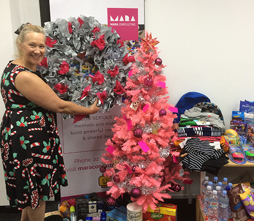 Kim-Cherie with our Mara Christmas tree for the Samaritans' Singleton lunch
